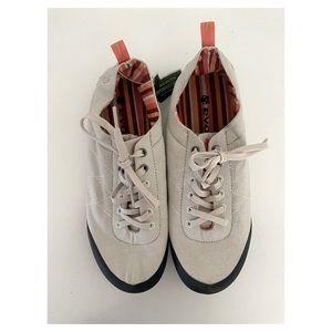 NWT Evolv Cruzer Athletic Hiking Shoes